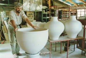 Making of the massive pots commissioned for the Prime Minister's suite and Cabinet entry.